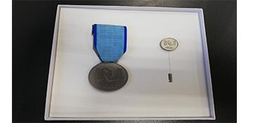 обложка медаль